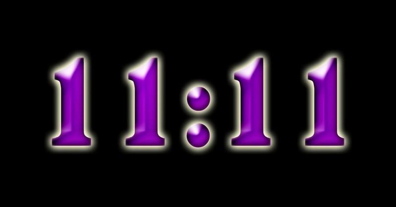 Vidíte na hodinkách stále čas 11:11 hod.? Prečítajte si, čo to znamená