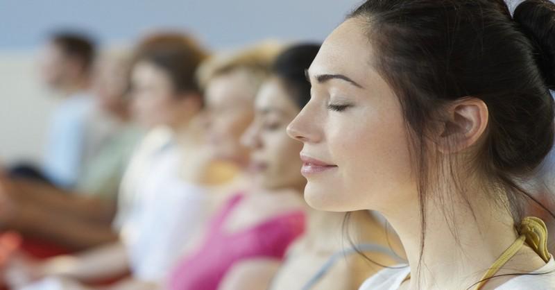 Meditácia pre začiatočníkov: 20 tipov, ktoré vám pomôžu upokojiť vašu myseľ