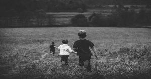 8 dôvodov, prečo deti v dnešných školách hlúpnu
