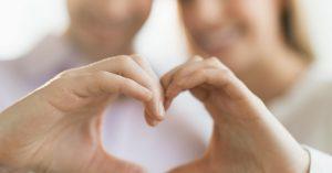8 prejavov správania, ktoré dávajú muži najavo, keď sú so svojou skutočnou láskou