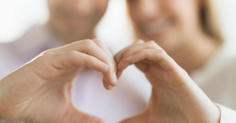 8 prejavov správania, ktorými dávajú muži najavo, keď sú so svojou skutočnou láskou