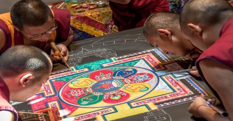 Prečo tibetskí mnísi zničia svoje mandaly hneď po tom ako ich dokončia?