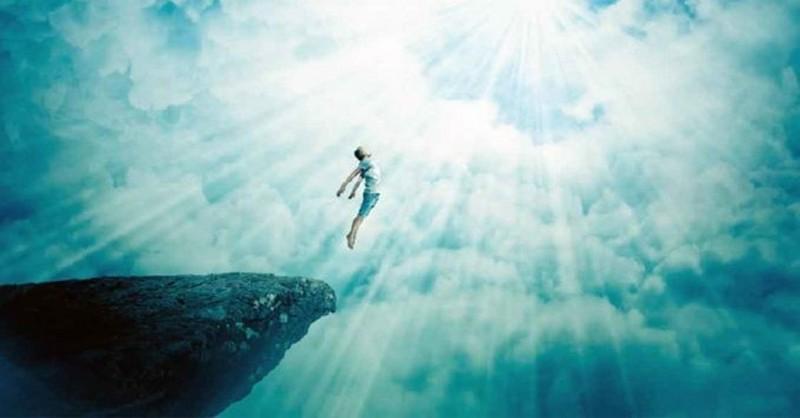 """Vedci predložili """"dôkaz"""" o tom, že po smrti naša duša nezomiera, ale sa vracia späť do vesmíru"""