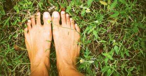 Grounding alebo metóda uzemnenia – pozitívne zmeny, ktoré sa začnú diať s naším telom, keď sa spojíme so Zemou