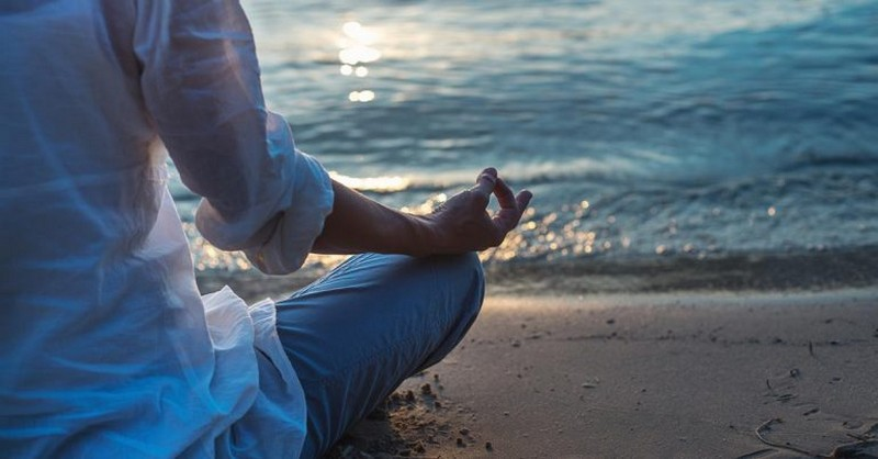 Naučte sa týchto 5 mantier na zvládanie strachu, seba spochybňovania a stresu v živote