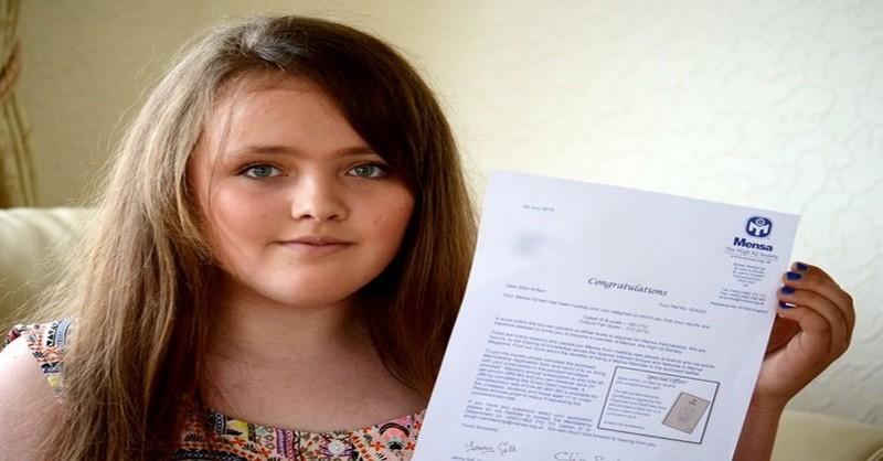Táto 12 ročná Angličanka rómskeho pôvodu má vyššie IQ než Stephen Hawking alebo Albert Einstein