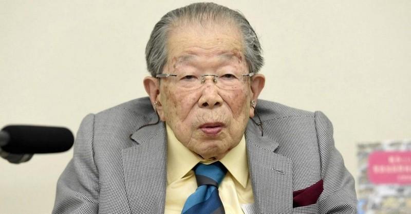 Japonský lekár, ktorý po celý svoj život skúmal tajomstvo dlhovekosti – a ktorý sa sám dožil 105 rokov – nám toto tajomstvo odhaľuje