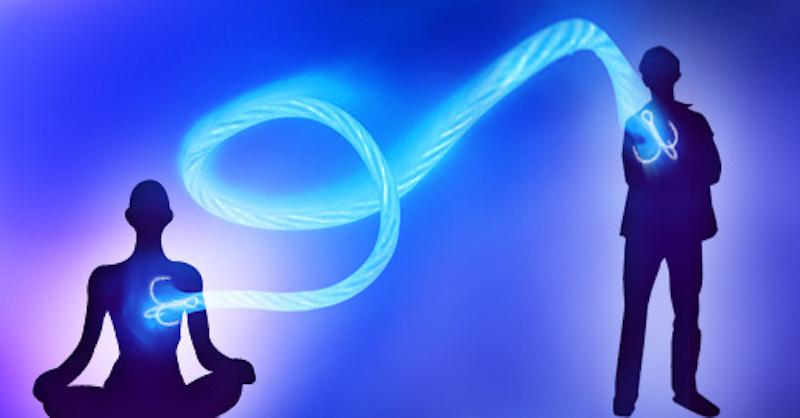 Ako preťať éterické putá a zbaviť sa emocionálnej pripútanosti