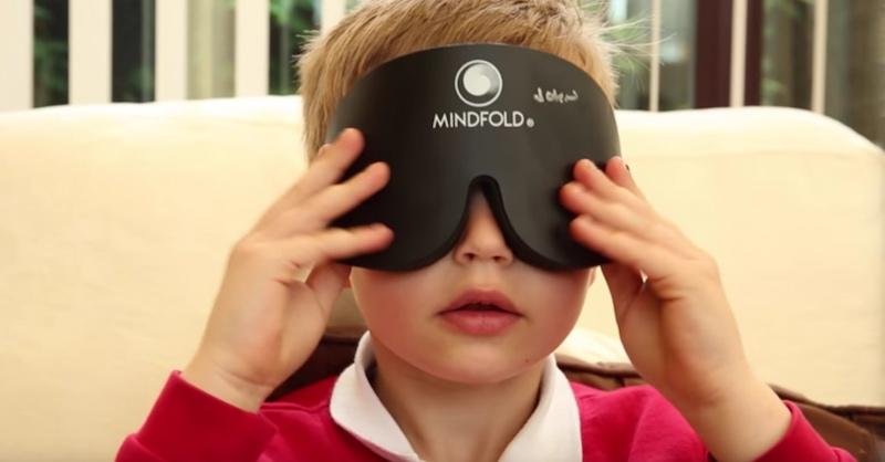 Tieto neuveriteľné deti sa naučili otvoriť tretie oko ačítať so zaviazanými očami