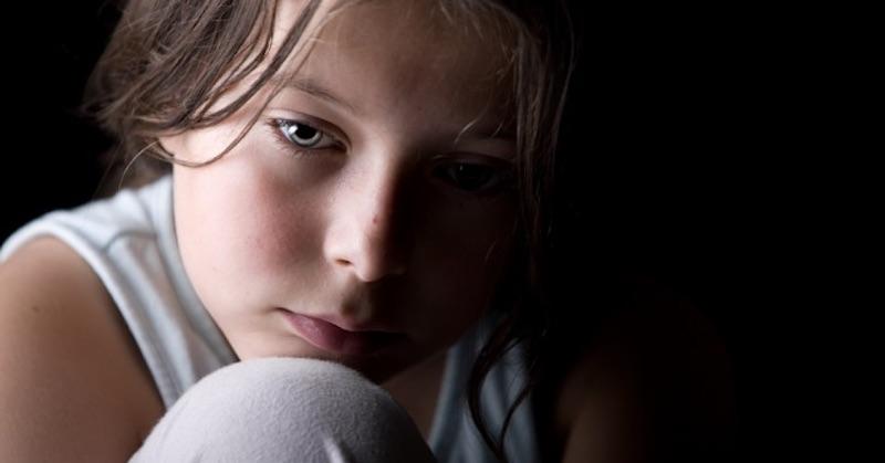 Rast prostredníctvom traumy: Ako nedovoliť, aby zlé detstvo definovalo váš život