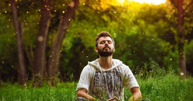 9 spôsobov na dosiahnutie hlbšieho aintenzívnejšieho meditačného stavu
